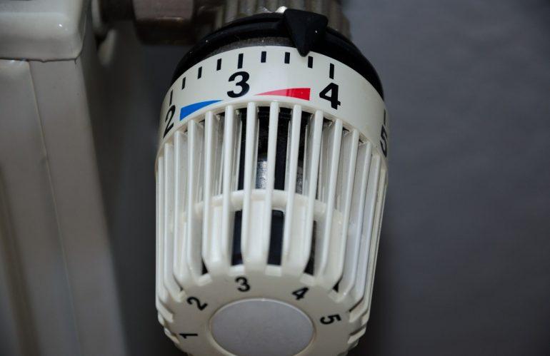 Entre le chauffage électrique et le chauffage au gaz, lequel choisir pour un logement ?